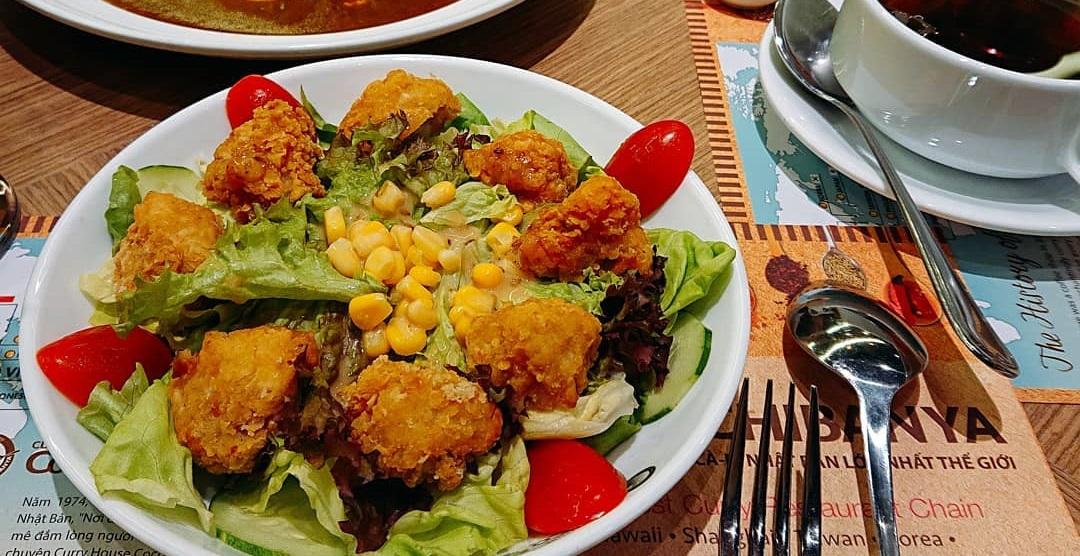 salad trong bữa ăn